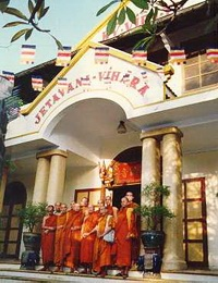 The Theravada Bhikkhu Sangha in Vietnam