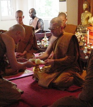 The Theravada Bhikkhu Sangha in United Kingdom